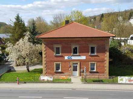 Nachmieter gesucht: Helle Bürofläche in Backsteinhaus in zentraler Lage in Amberg