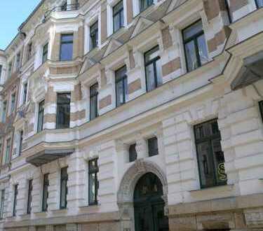 DG-Wohnung mit KfZ-Stellplatz/Waldstraßenviertel