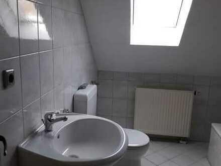 Gepflegte 3-Raum-DG-Wohnung mit Balkon in Roth-Eckersmühlen
