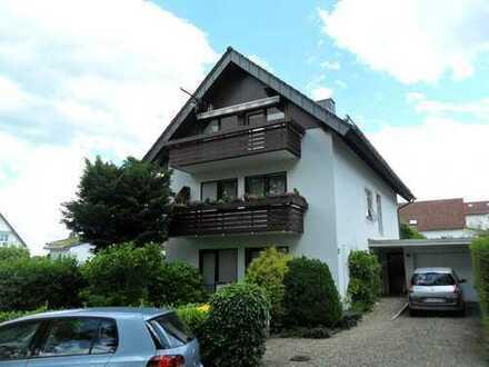 Erstbezug nach Sanierung mit Balkon: stilvolle 3-Zimmer-Dachgeschosswohnung in Frankfurt am Main