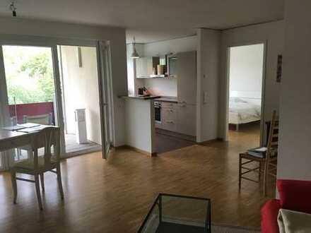 Schöne, geräumige zwei Zimmer Wohnung in Frankfurt Rebstockpark