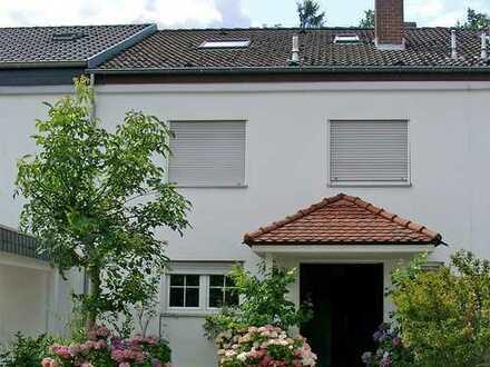 POCHERT HAUSVERWALTUNG - Sehr großes, schönes Wohnhaus in KL-Erzhütten