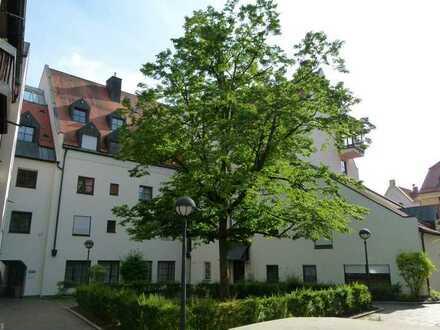 Provisionsfrei! Innenstadt Praxis/Büro mit 6 Büro-, 4 Innenräumen, Aufenthaltsraum, Lager, WCs
