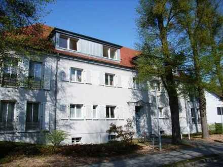 Helle Dreizimmerwohnung mit Wintergarten