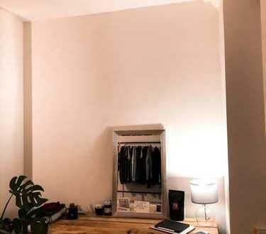 16m ² Zimmer in kernsarnierter Wohnung (Weststadt, Nahe Gutenbergplatz)