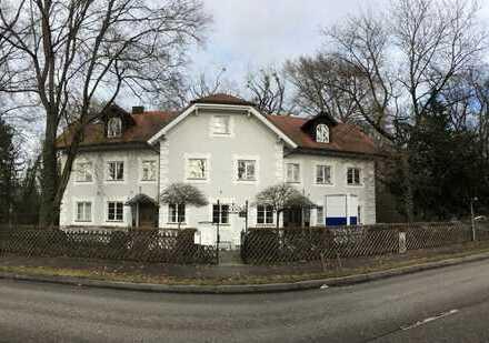 Eigenes Haus: Stivolle Bürovilla am Schloßpark