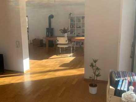 120 qm Kamin,Küche,Garten,Terrasse,Balkon,2er WG bis 25 jahre