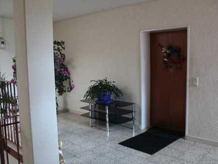Gepflegte 3-Raum-Wohnung mit Balkon und Einbauküche in Bretten