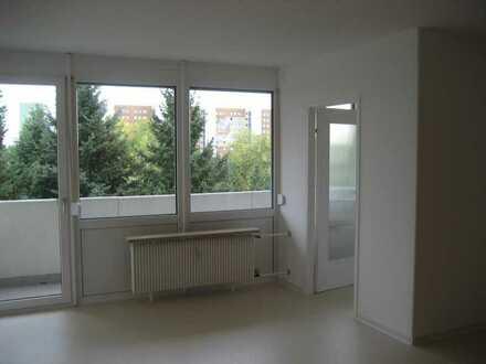 Helle 1-Zimmer-Wohnung mit Balkon