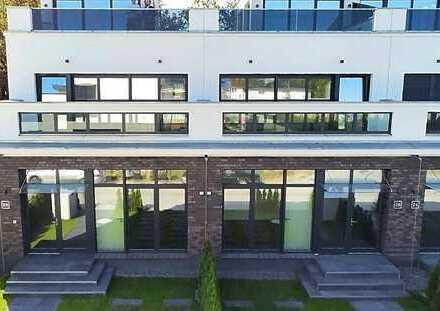 Schöne, geräumige Villa mit 3,5 Zimmern im Villenpark Groß Glienicke