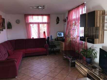 Attraktive 4-Zimmer-Erdgeschosswohnung in Ehingen mit Terrasse und Gartenanteil