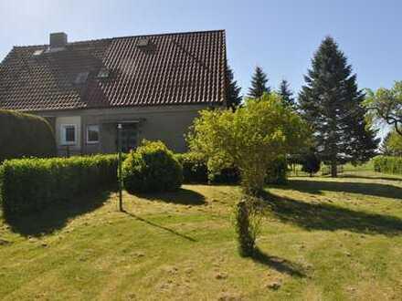 Solide Doppelhaushälfte in Dorflage