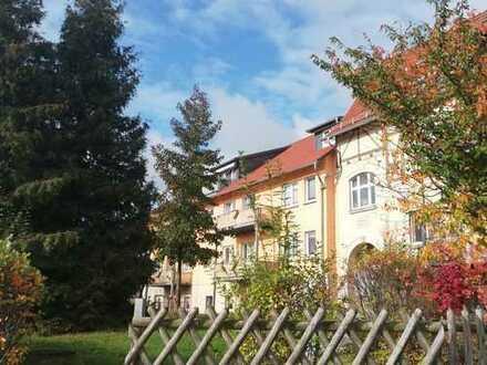 Neuwertige 5-Zimmer-DG-Wohnung mit Balkon und EBK in Bad Salzungen