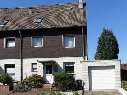 Für die große Familie ! Eckhaus mit Balkon, Garage und ca.760 m² Grundstück.