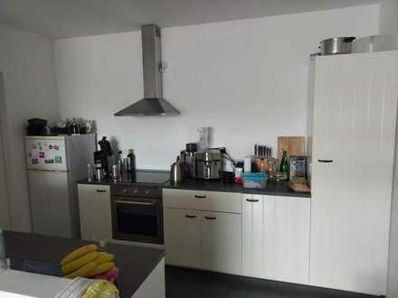 2 Zimmer + Bad in großer 2-3er WG in Hartenberg/Münchfeld