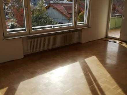 Erstbezug nach Sanierung: Große Wohnung mit Balkon in Stuttgart Uhlbach