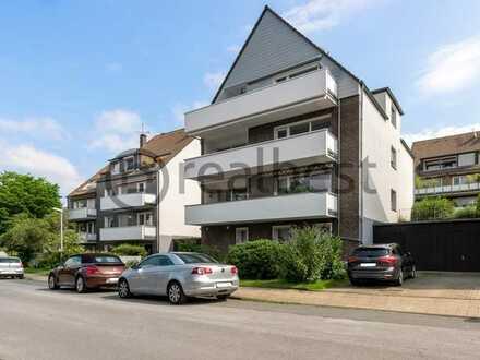 Helle, geräumige Wohnung mit großem Balkon und gehobener Ausstattung - frisch renoviert