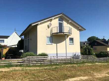 Nähe Hachenburg, top gepflegtes EFH mit Terrasse/Garten und EBK - direkt vom Eigentümer zu vermieten