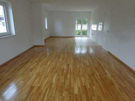 Erstbezug mit Balkon: schöne moderne 2-Zimmer-Wohnung in Taunusstein