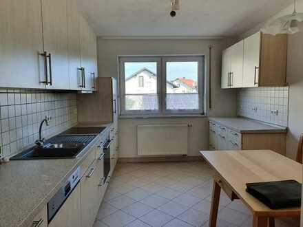 Gepflegte 2,5-Raum-Wohnung mit Terasse/Wintergarten, Einbauküche in Fischerdorf/Deggendorf