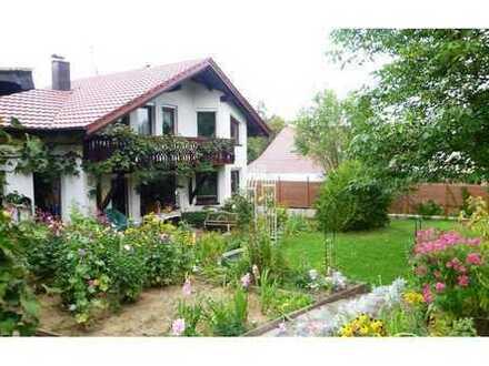 REMAX - Haus mit Garten und Gartenhaus Schöne Aussicht Hund und Katze sind erlaubt
