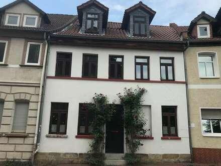 Auf drei Etagen mit Nebengebäude und tollem Garten in Helmstedts Innenstadt
