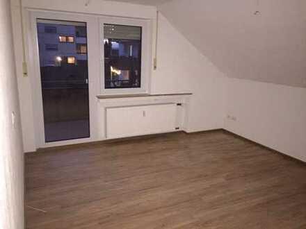 Erstbezug nach Sanierung: ansprechende 3,5-Zimmer-Dachgeschosswohnung mit Balkon in Wernau (Neckar)