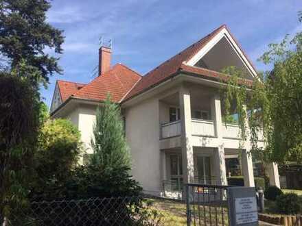 Großzügige DG-Maisonette in moderner Stadtvilla