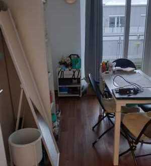 WG - Zimmer im Studentenhaus