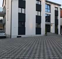 Gehobene 3 Zimmerwohnung mit Terrasse und Garten