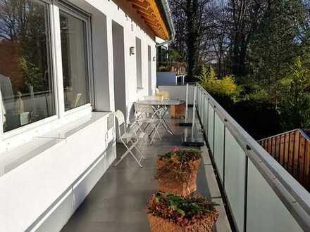 Zentral gelegene und nach Süden ausgerichtete 2,5-3 Zimmer Wohnung! Exklusive Wohnlage! Doppelgarage