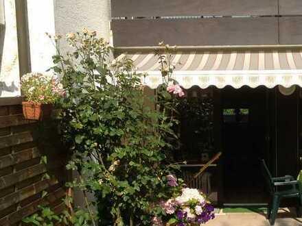 Schönes Reihenmittelhaus in See-Nähe (Stuttgart-Möhringen, 6 Zi., Garten, Dachterrasse, Garage)