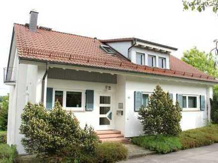 Einzigartiges Haus mit Garten und schöner Aussicht