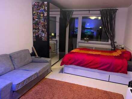 Gr.Zimmer m. Balkon und möbliert zur Zwischenmiete v. 01.05.19 bis 30.11.19 in Hamm. 2 min Fußweg zu