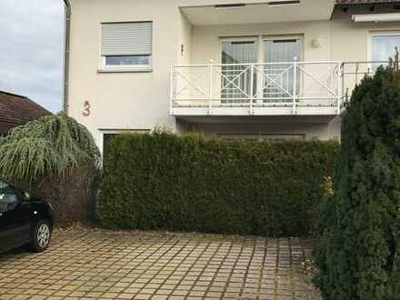 Schöne vier bis fünf Zimmer Wohnung in Pforzheim, Büchenbronn