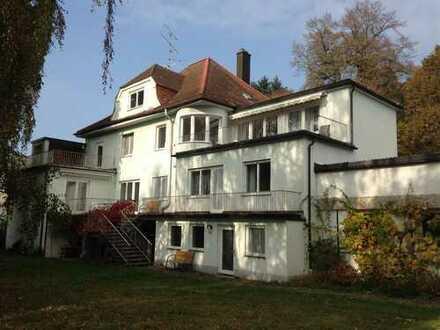 Schöne 3,5-Zimmer Altbauwohnung mit Balkon und EBK in Mallersdorf-Pfaffenberg