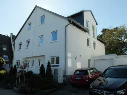 Haus mit 5 Zimmern und vielem mehr. Zentrale Lage. Friedrichsdorf