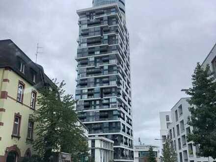 *** Einzigartige Wohnung im Henninger Turm ***