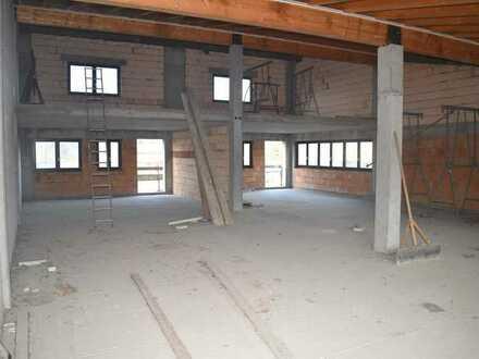 TOP Gewerbeobjekt in Berg /Neulauterburg mit Potenzial! Ausbaumöglichkeiten für Büro und Wohnung