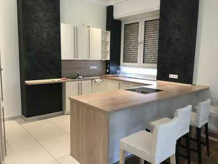 Erstbezug nach Sanierung: schöne 2-Zimmer-Wohnung mit EBK und Balkon in Hannover