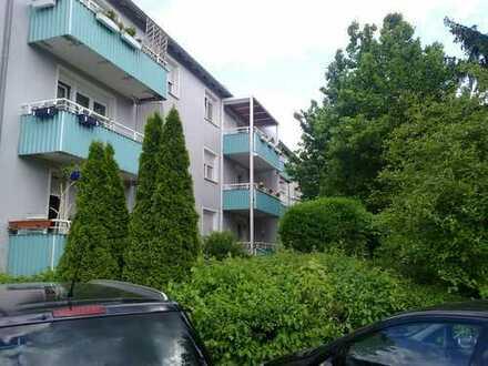 Modernisierte, nett geschnittene 3-Zimmerwohnung in Tamm mit EBK, Stpl. und Westbalkon