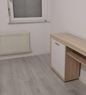 Zimmer in 2-er WG in Stuttgart Feuerbach, hell und freundlich