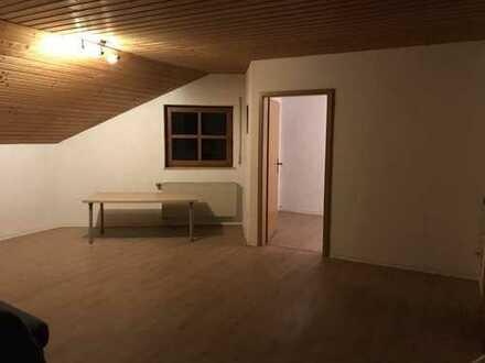 Freundliche 4-Zimmer-DG-Wohnung mit Balkon in Aalen-Oberalfingen