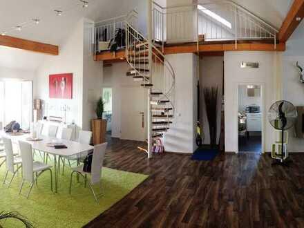 Außergewöhnliche 5-Zimmer-Wohnung (ca. 180 qm Grundfläche) mit Galerie und Sonnenterrasse