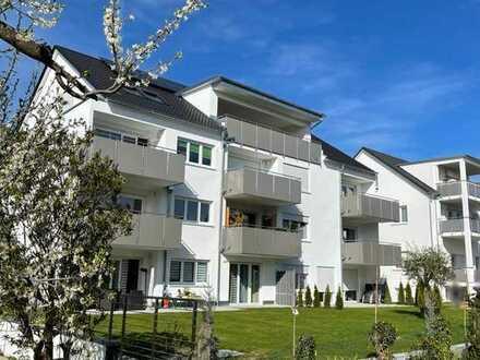 Sonnige Neubau-Wohnung mit großem Balkon, Kinder willkommen