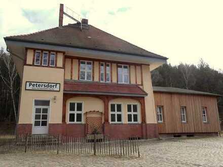 Wohnen im alten Bahnhof Petersdorf