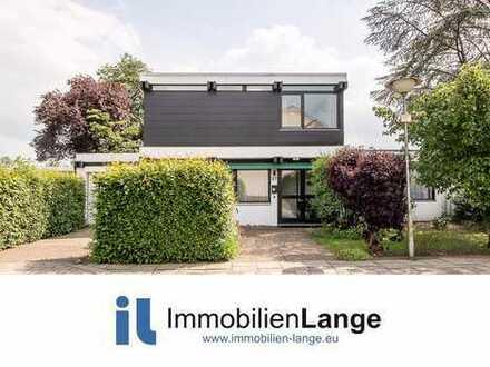 Gepflegtes Einfamilienhaus mit Blick ins Grüne!