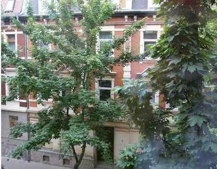 Gute und sichere Rendite! Vermietete 2-Zimmer-Wohnung im schönen Altbau!