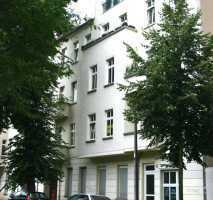 Gepflegte 2-Zimmer-Wohnung mit Balkon und Einbauküche in Berlin Lichtenberg