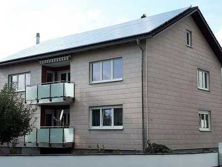 Gepflegte 4-Raum-Wohnung mit Balkon und Einbauküche in Plattling